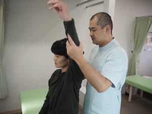 肩の検査です